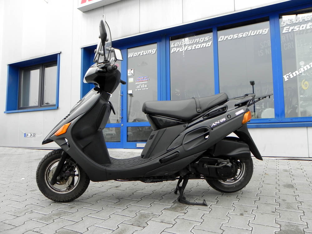 suzuki an 125 motorroller cf42a 125ccm roller schwarz scooter 125er gebraucht ebay. Black Bedroom Furniture Sets. Home Design Ideas